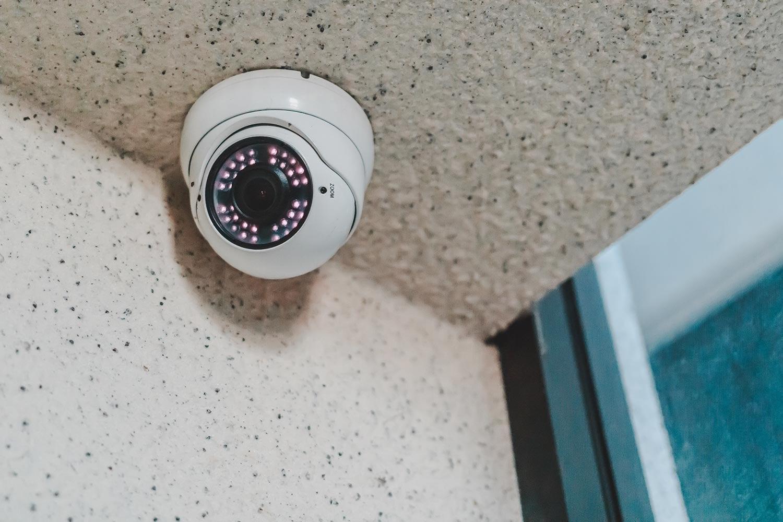 скрытые камеры в дом - 13